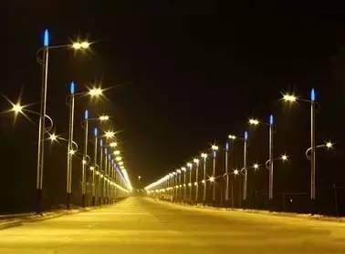 <a href=http://www.ruimingzm.com target='_blank'>LED路燈外殼</a>